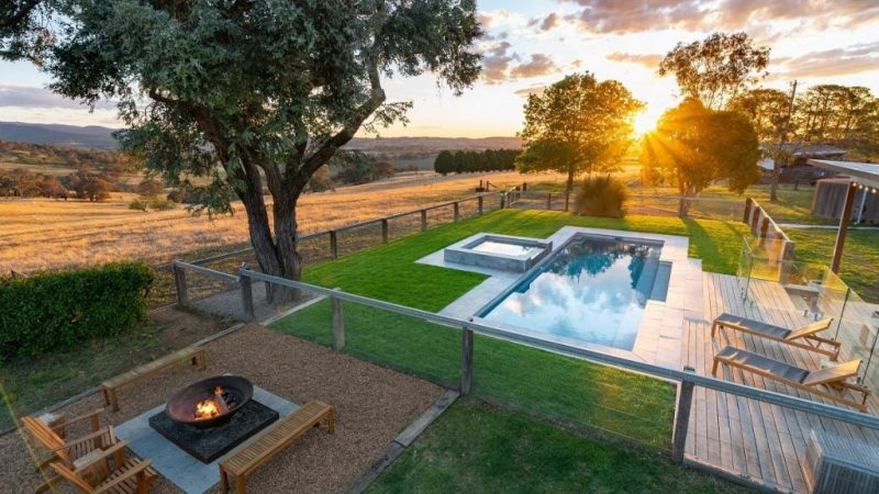 How to Choose the Right Swimming Pool Designs For Your Home